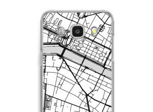 Zet een stadskaart op je  Galaxy J7 (2016) hoesje