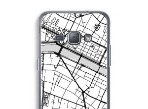 Zet een stadskaart op je  Galaxy J1 (2016) hoesje